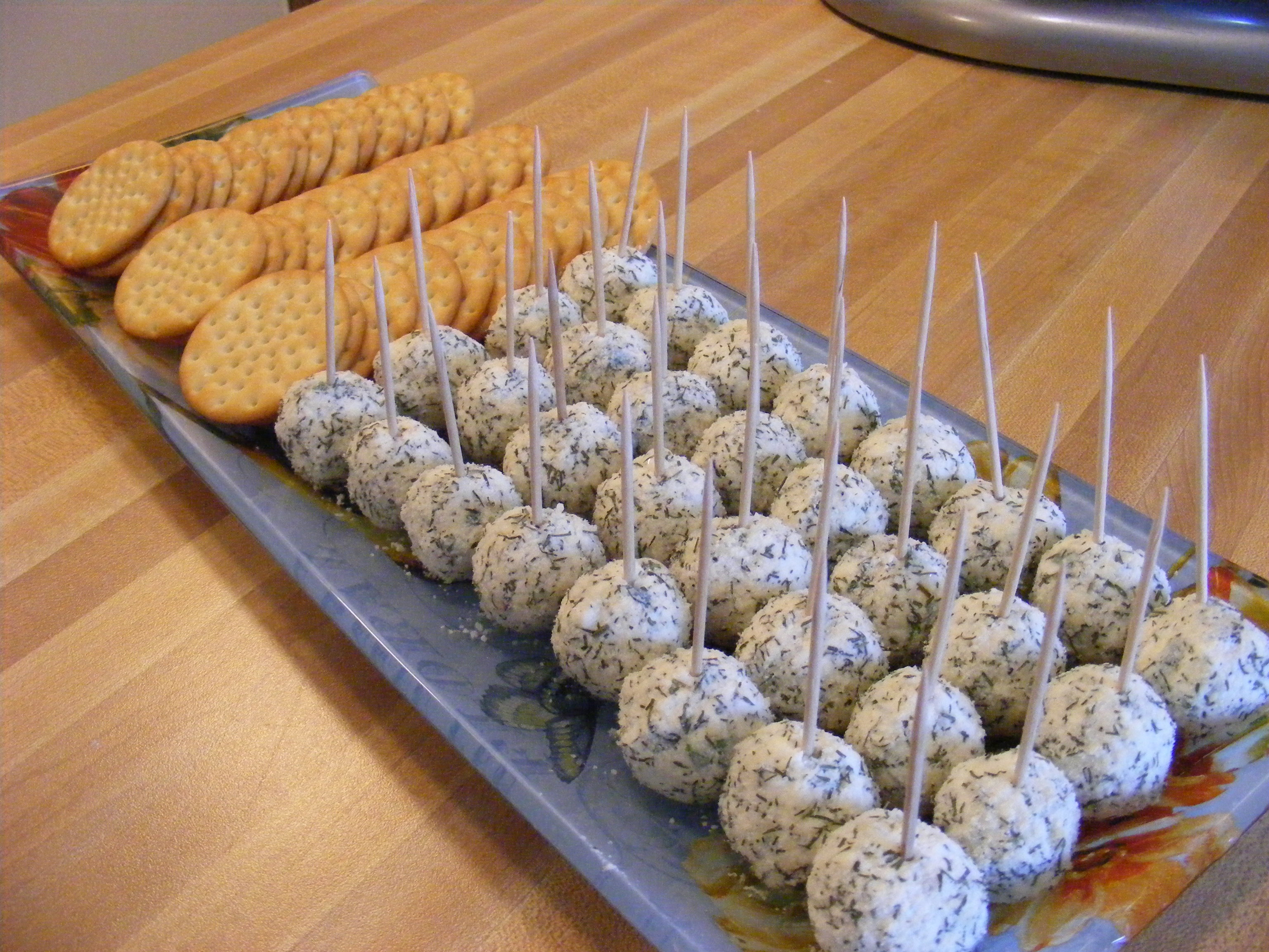 Mini Feta Cheese Balls (adapted from this recipe )